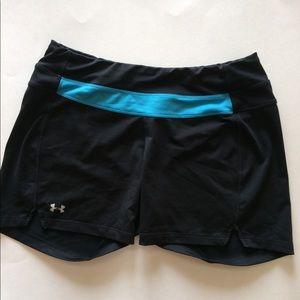 Under Armour Ladies Shorts. Size MD. EUC